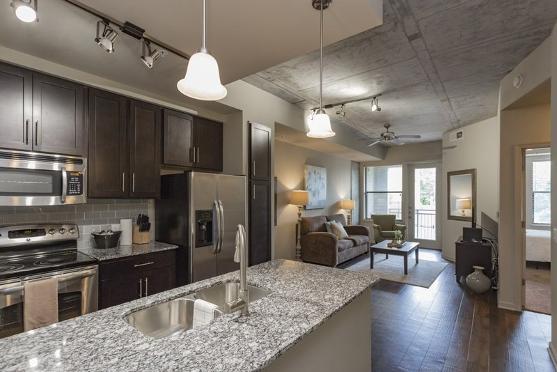 Best Sobe Downtown Columbus 1 Bedroom Apartment Has Wi Fi And With Pictures