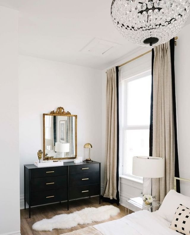 Best Love The Black And Gold Theme In This Bedroom With Pictures