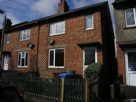 Best Martin Co Banbury 2 Bedroom Terraced House To Rent In With Pictures