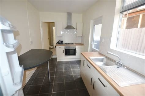 Best Martin Co Leicester 1 Bedroom Ground Floor Flat To Rent In Main Street Humberstone Leicester With Pictures