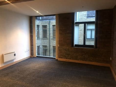 Best Whitegates Bradford 2 Bedroom Flat To Rent In Broadgate With Pictures