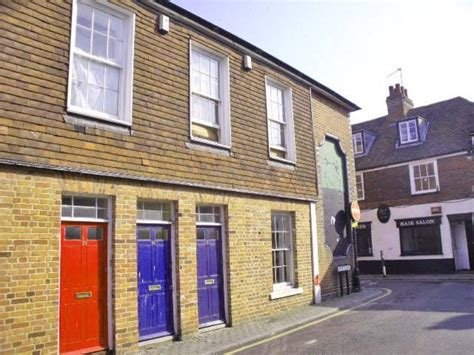 Best Martin Co Canterbury 2 Bedroom Flat To Rent In Love Lane With Pictures
