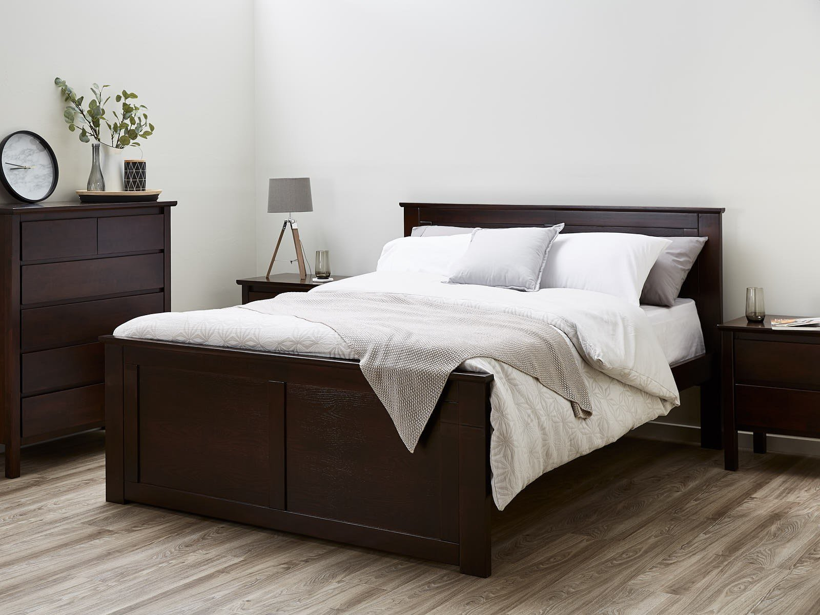 Best Queen Size Bed Frames 50 75 Off Sale B2C Furniture With Pictures