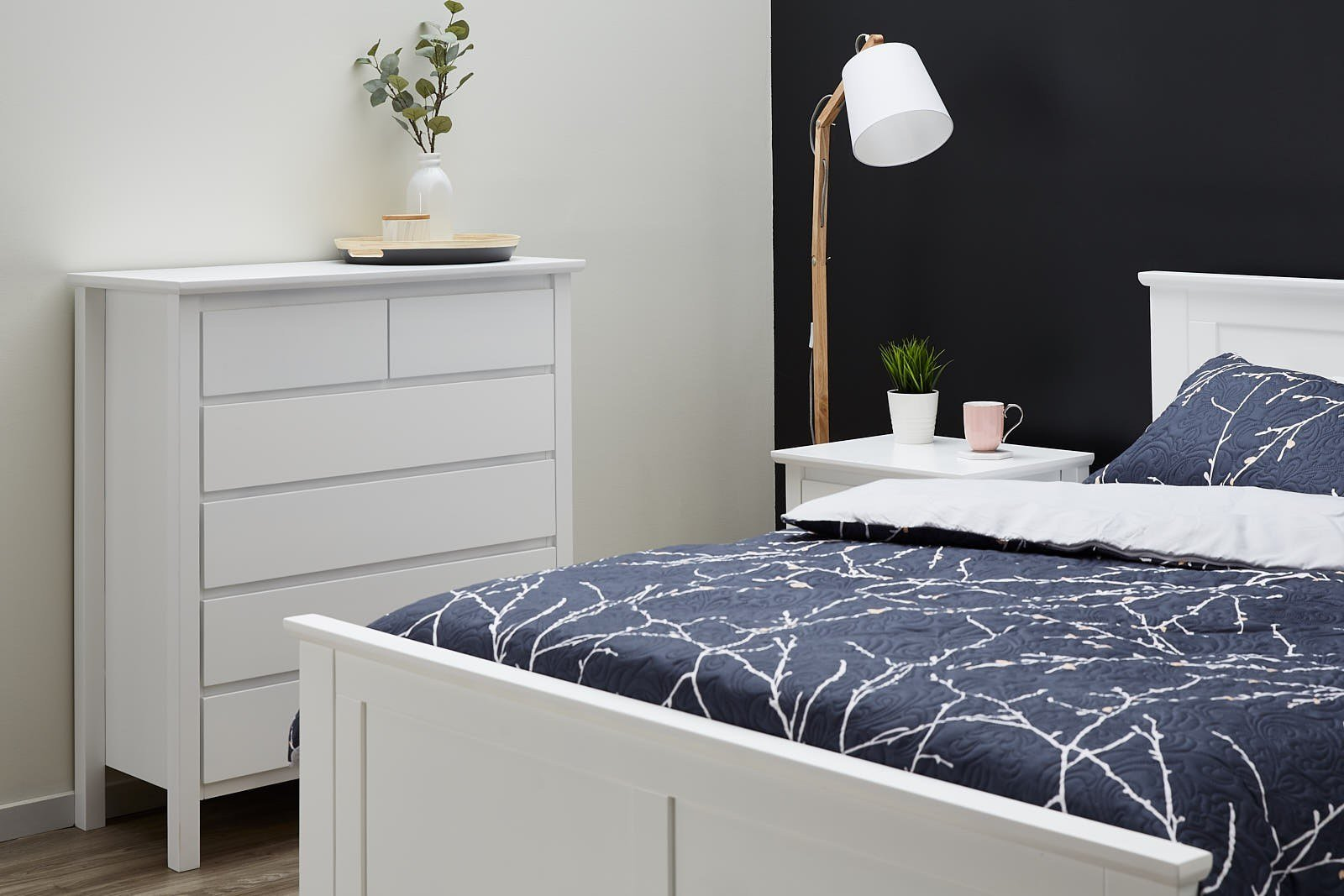 Best White Queen Size Bedroom Suites 50 75 Off Sale Hardwood Frames B2C Furniture With Pictures