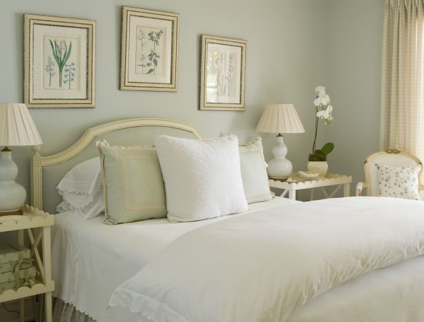 Best Nightstands With Scallop Trim Traditional Bathroom With Pictures
