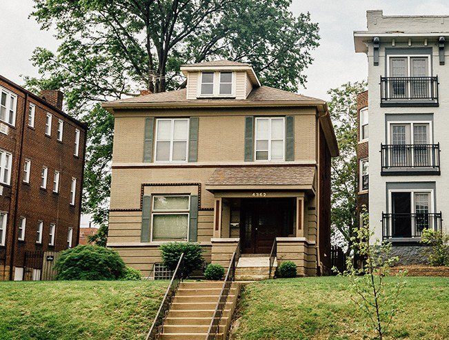 Best 3 Bedroom House For Rent At 4362 Forest Park St Louis Mo Rentcafé With Pictures