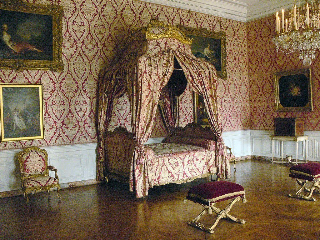 Best Versailles Bedroom Chateau De Versailles Is A Royal With Pictures