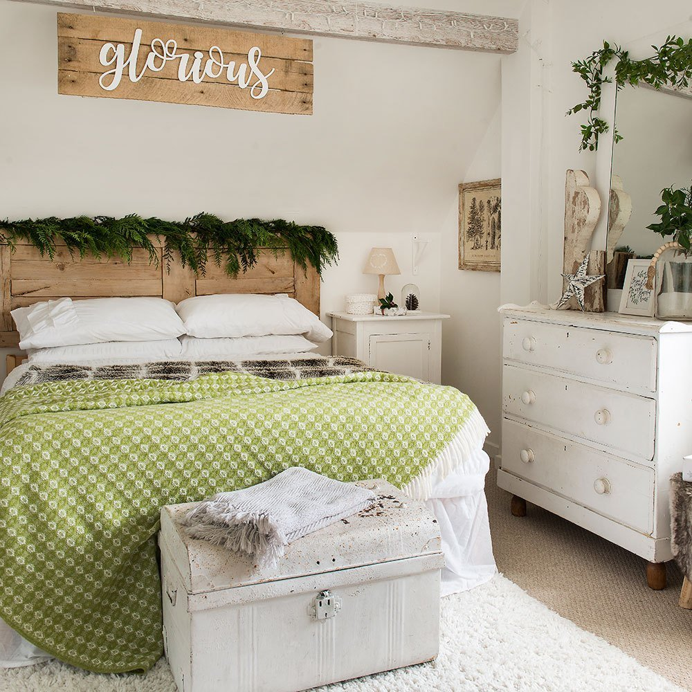 Best Christmas Bedroom Decorating Ideas That Will Make Your With Pictures