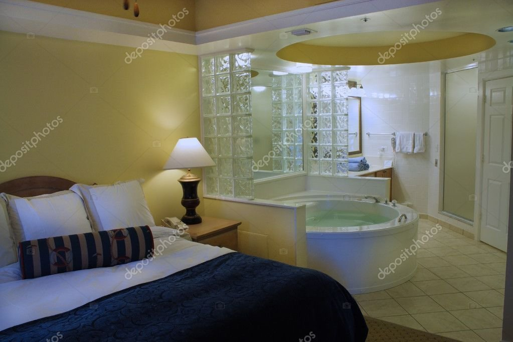 Best Master Bedroom With Jacuzzi Tub — Stock Photo With Pictures