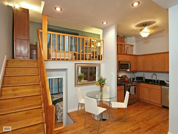 Best Apartment Bright And Fantastically Located Split Level One Bedroom Pretty Suspended Bedroom With Pictures