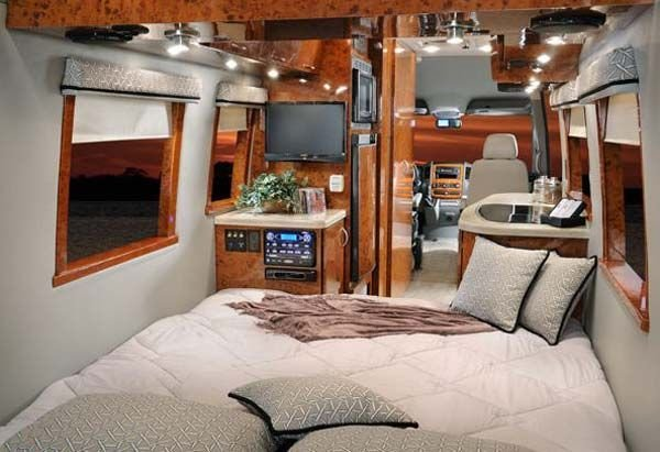Best Four Winds Ventura Class B Motorhome Interior With Bedroom Arrangement Rv Living Pinterest With Pictures