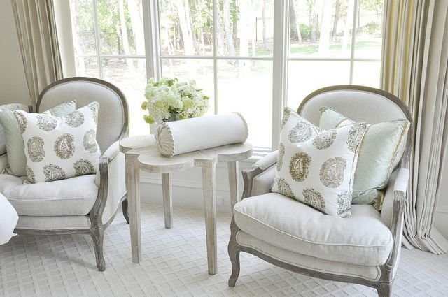 Best The Perfect Accent Chairs And Accent Table For That Small With Pictures