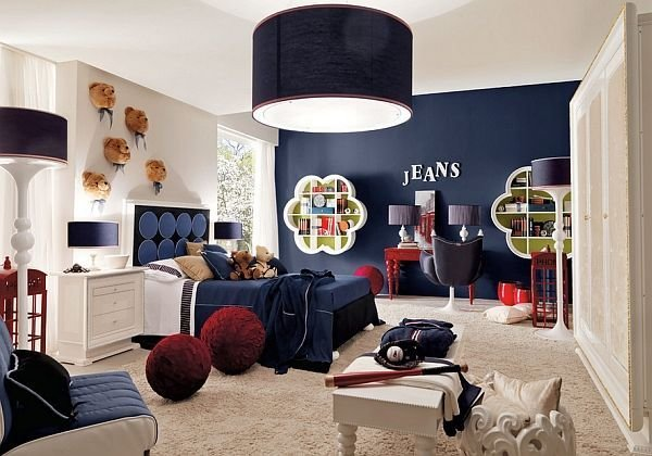 Best Gorgeous Dark Blue Accent Wall Enlivens The Room Decoist With Pictures