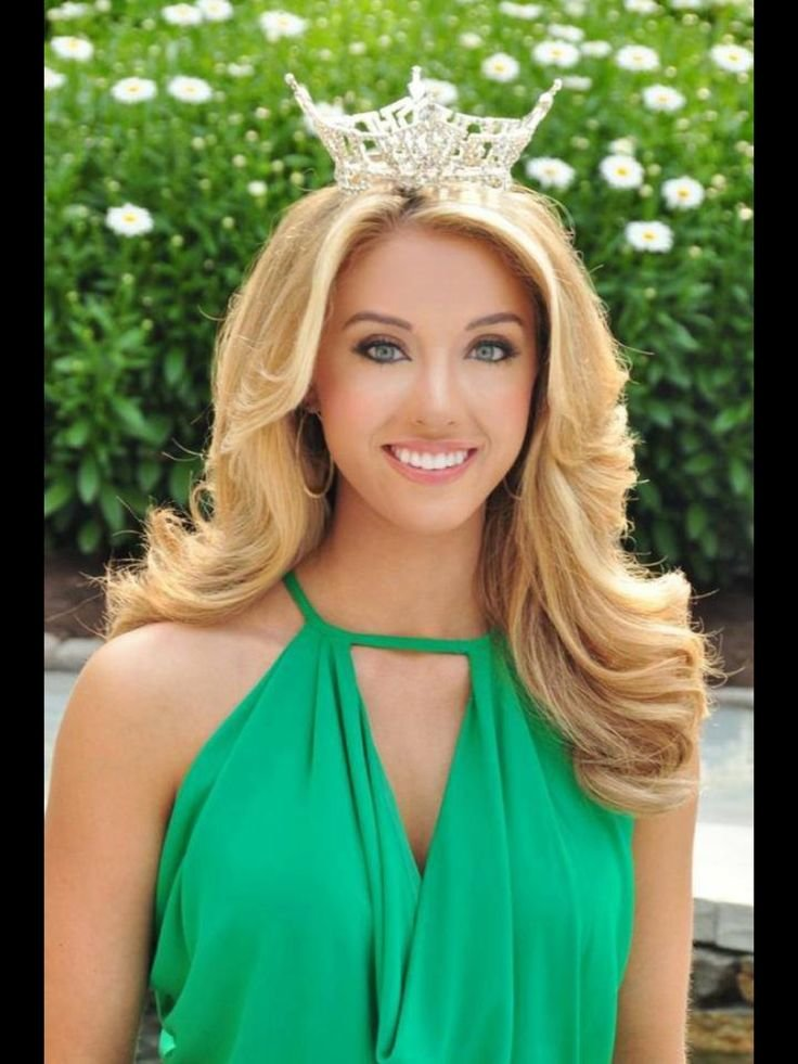 Free Miss Tn 2013 Shelby Thompson Total Pageant Prep Client Wallpaper