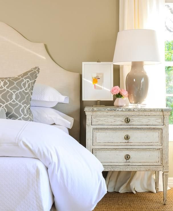 Best Stunning Bedroom Features A Cream Headboard On Bed Dressed With Pictures
