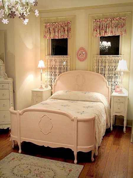Best 25 Antique Beds Ideas On Pinterest Pink Vintage With Pictures