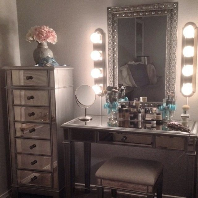 Best 25 Best Ideas About Mirrored Furniture On Pinterest Mirror Furniture Grey Home Furniture And With Pictures