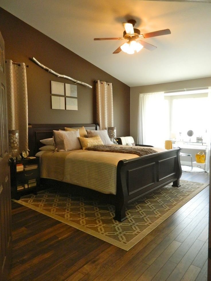 Best Hardwood Floors In The Master Bedroom I Like The Area Rug Underneath The Bed Me And Eze With Pictures