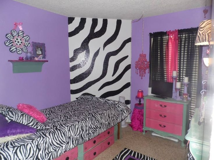 Best We Re Did My 9 Year Old Daughter S Room Zebra All The With Pictures