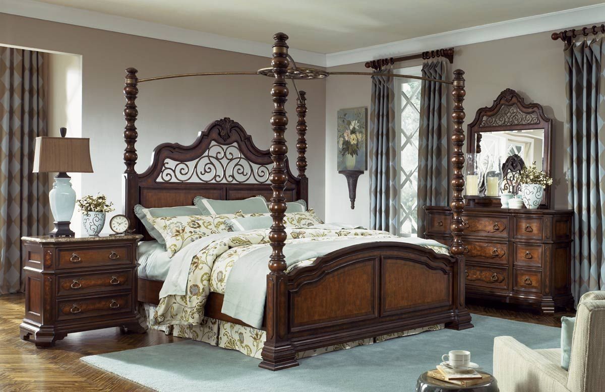 Best Legacy Classic Royal Tradition Poster Canopy Bedroom Set With Pictures