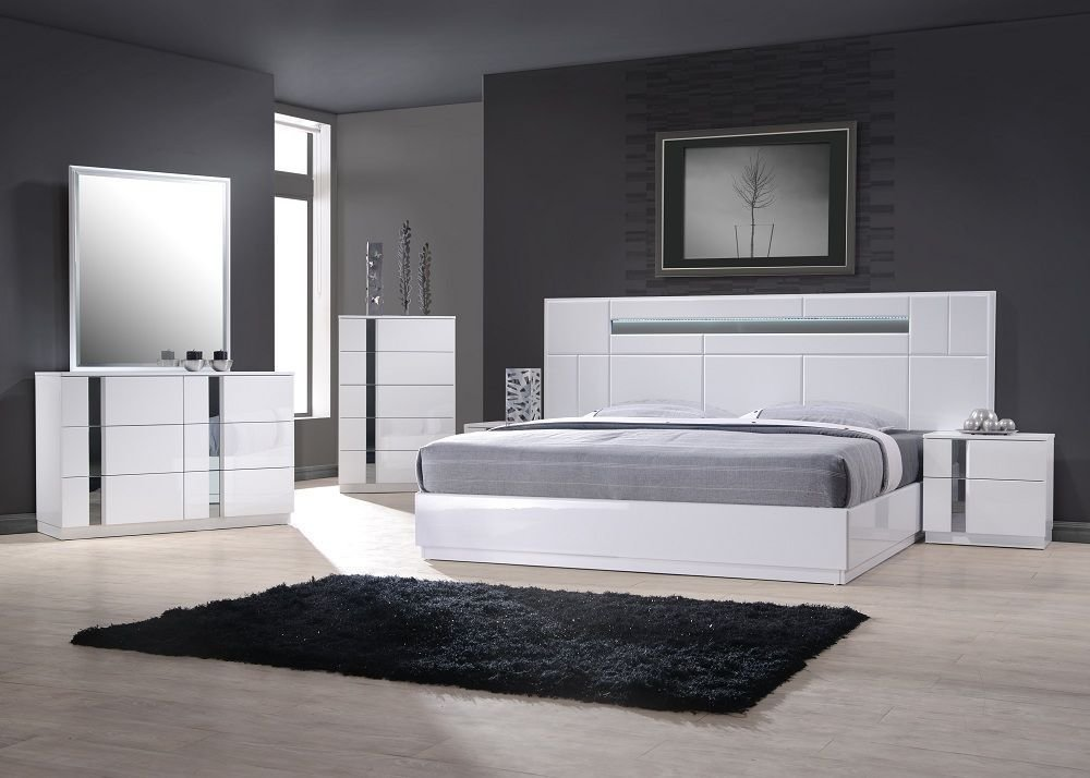 Best Exclusive Wood Contemporary Modern Bedroom Sets Two Of The With Pictures