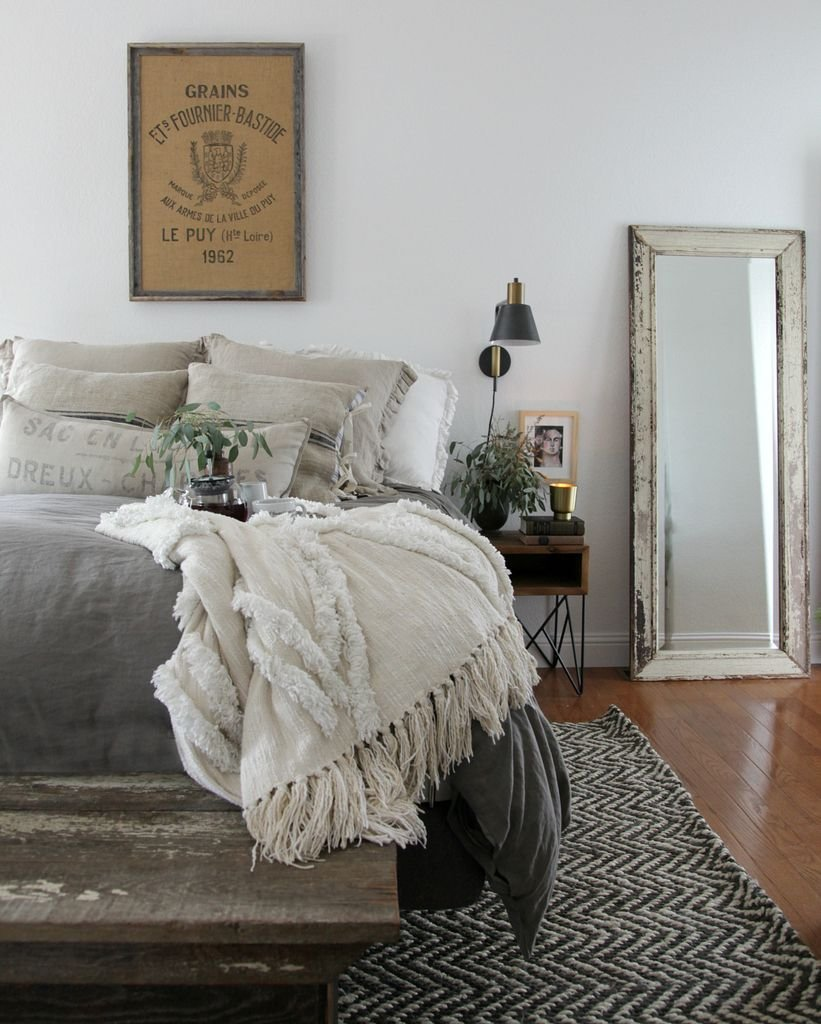 Best Modern Farmhouse Bedroom Simple Furnishings Natural With Pictures