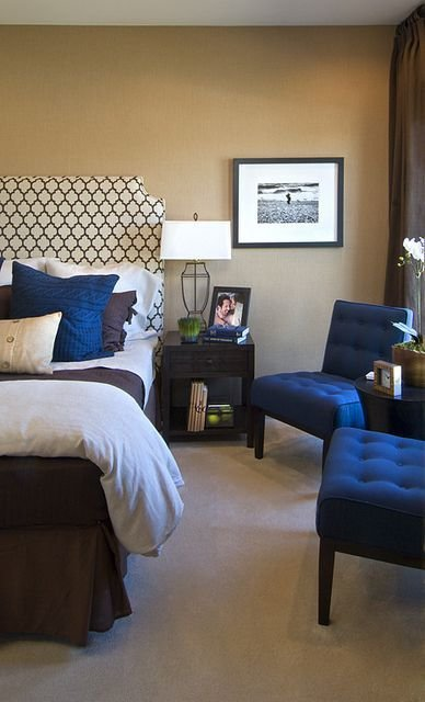Best Sample Navy Blue And Brown Bedroom At An Eya Townhome In Washington Dc Learn More About Eya At With Pictures