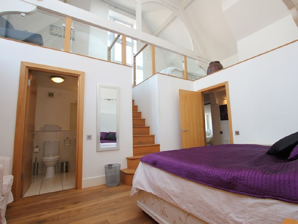 Best Bloomsbury Apartment Rental Master Bedroom Mezzanine With Pictures