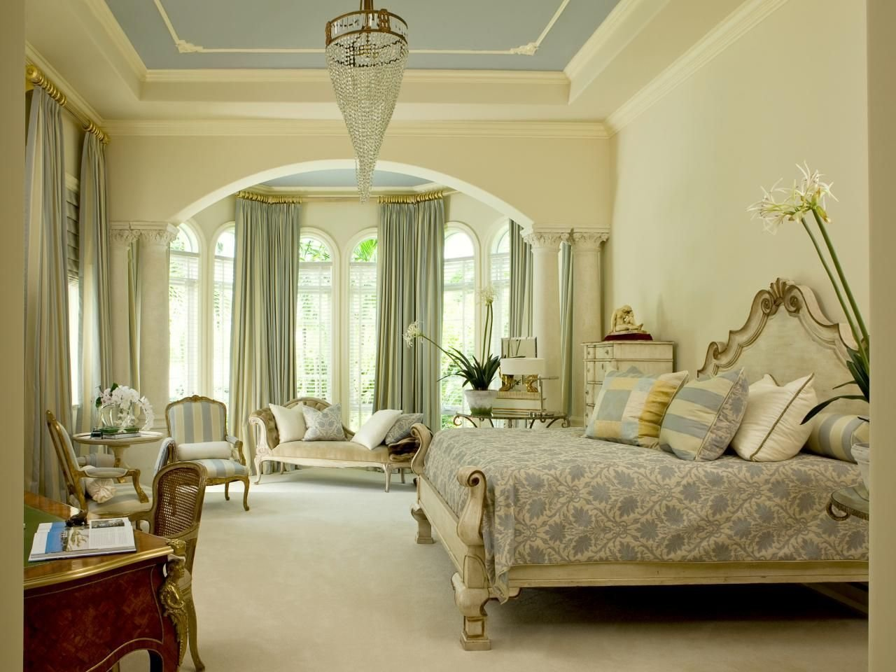 Best 20 Design Trends That Won T Go Out Of Style Bay Window Treatments Master Bedrooms And Window With Pictures
