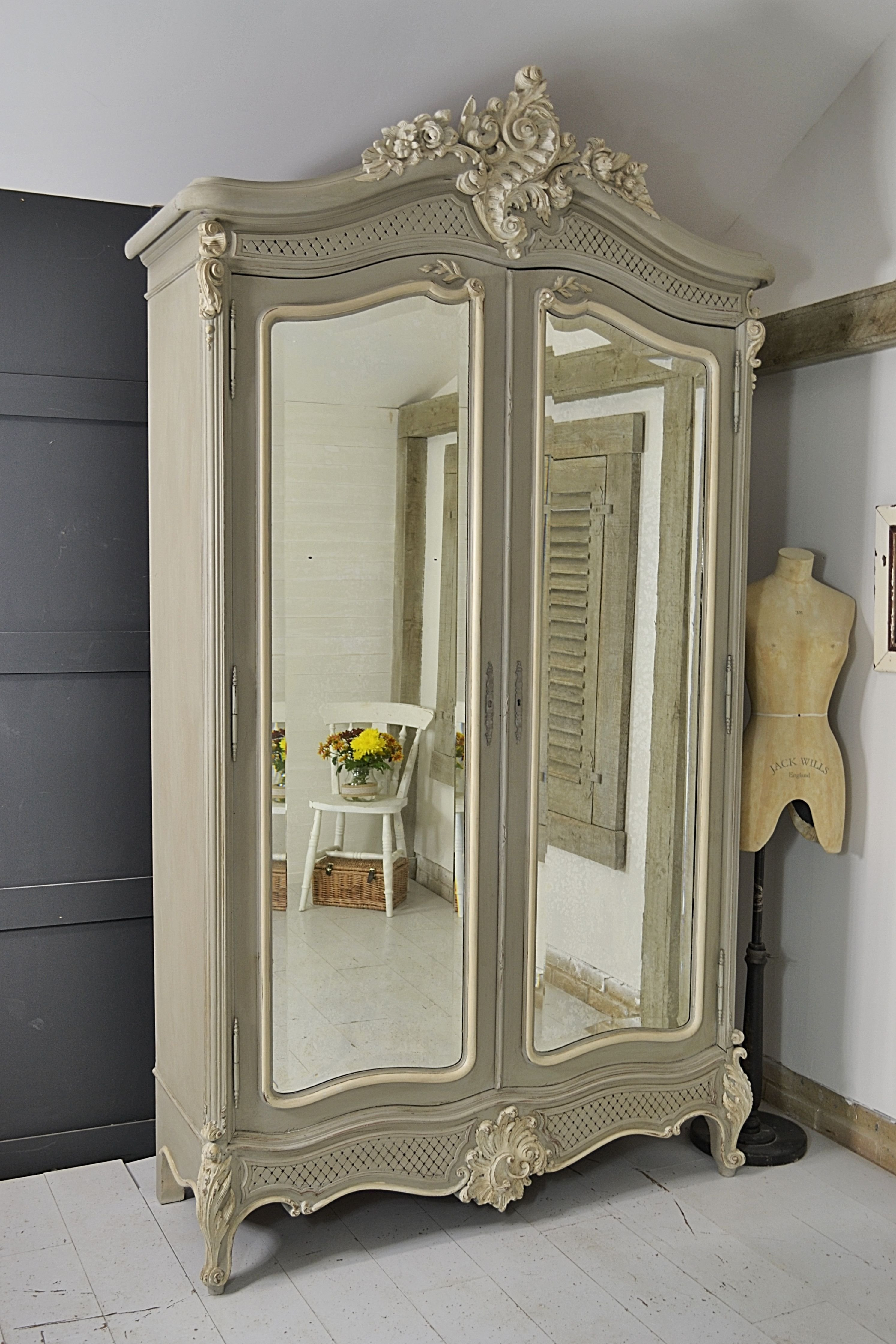 Best This Beautiful Shabby Chic French Armoire Would Make A With Pictures