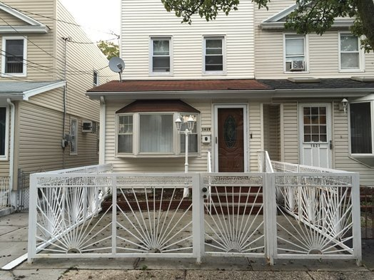 Best 1 Bedroom Rental At East 96Th St Canarsie Posted By With Pictures