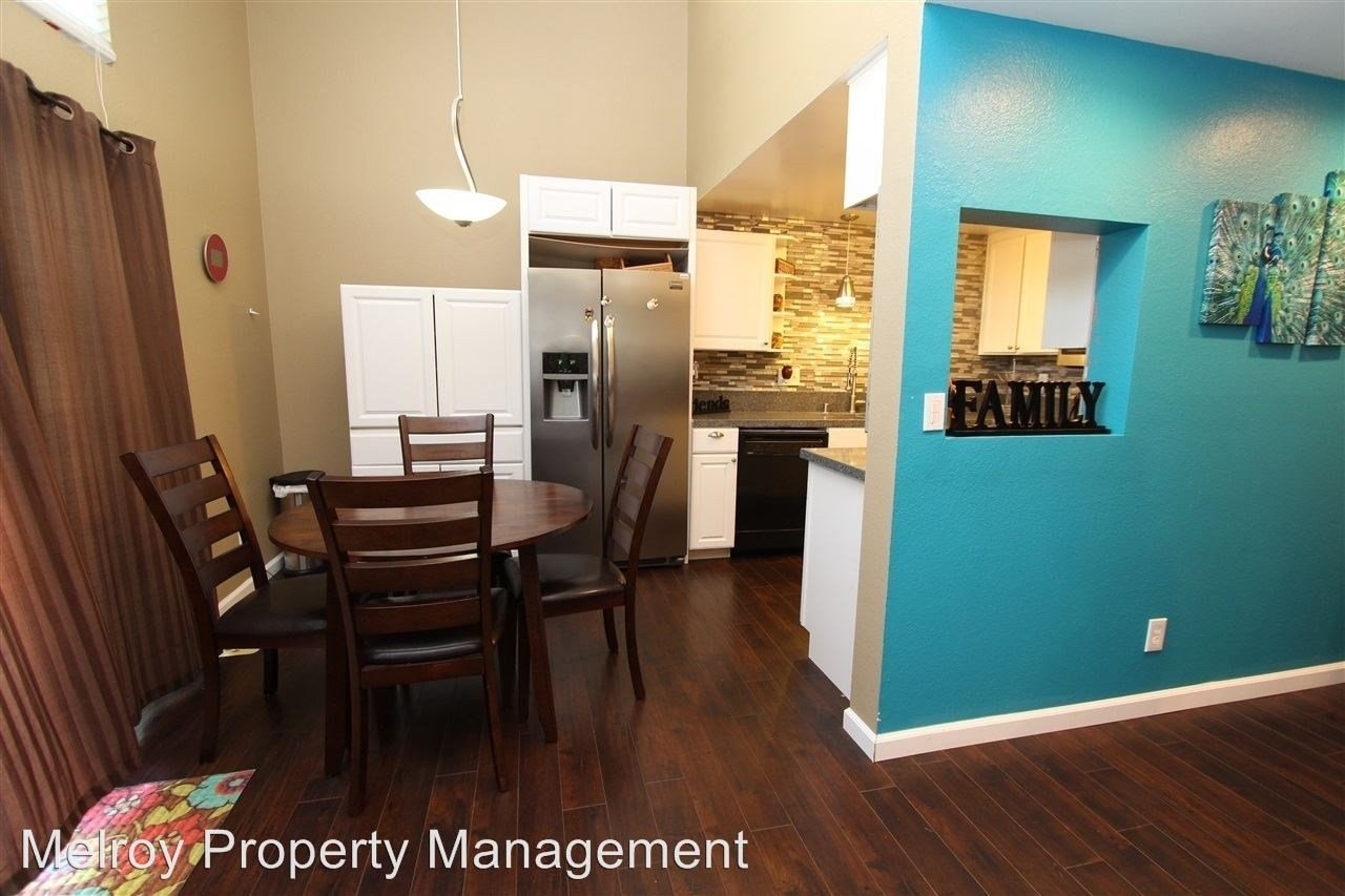 Best 7312 Tooma St San Diego Ca 92139 3 Bedroom Apartment For Rent Padmapper With Pictures