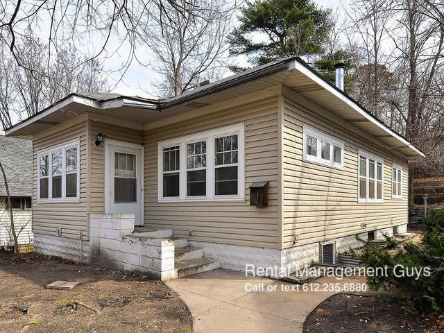 Best 2827 Ne Taylor St Minneapolis Mn 55418 4 Bedroom With Pictures