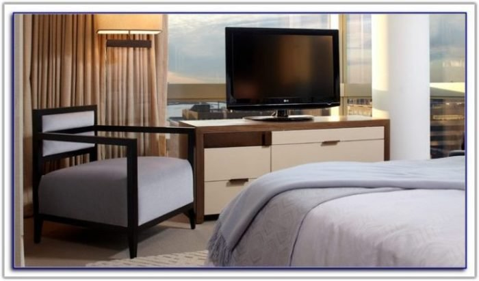 Best 2 Bedroom Suite San Diego Bedroom Home Decorating With Pictures