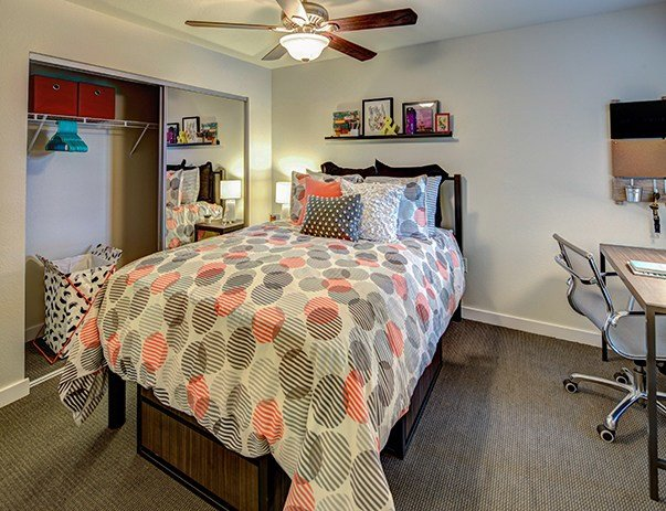 Best U Club Sunnyside 2 4 Bedroom Apartments Near Wvu With Pictures