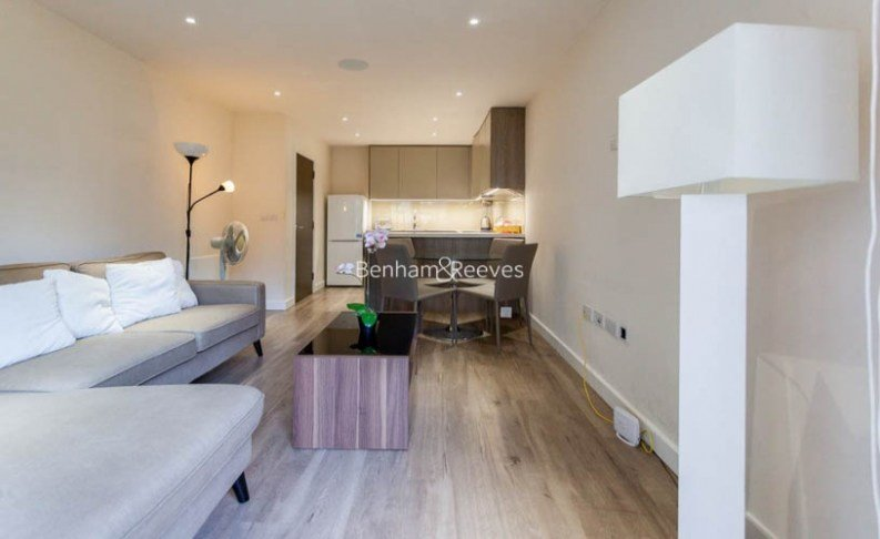 Best 1 Bedroom S Flat To Rent In Aerodrome Road Colindale With Pictures Original 1024 x 768