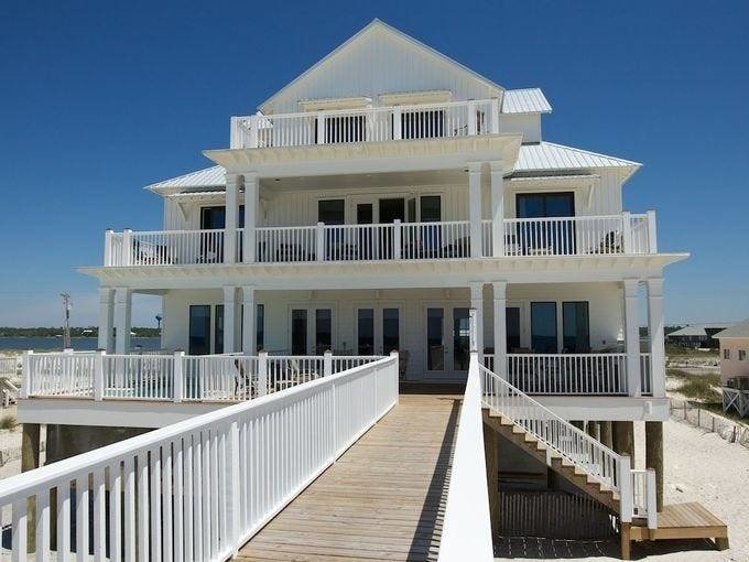 Best Bigger Is Better One Gigantic Vacation Rental In Each State With Pictures