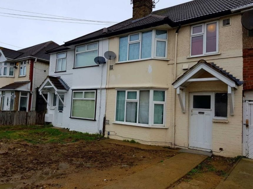 Best 3 Bedroom House To Rent In Hounslow 2 Image 1 Of 8 Mcaennyl Com With Pictures
