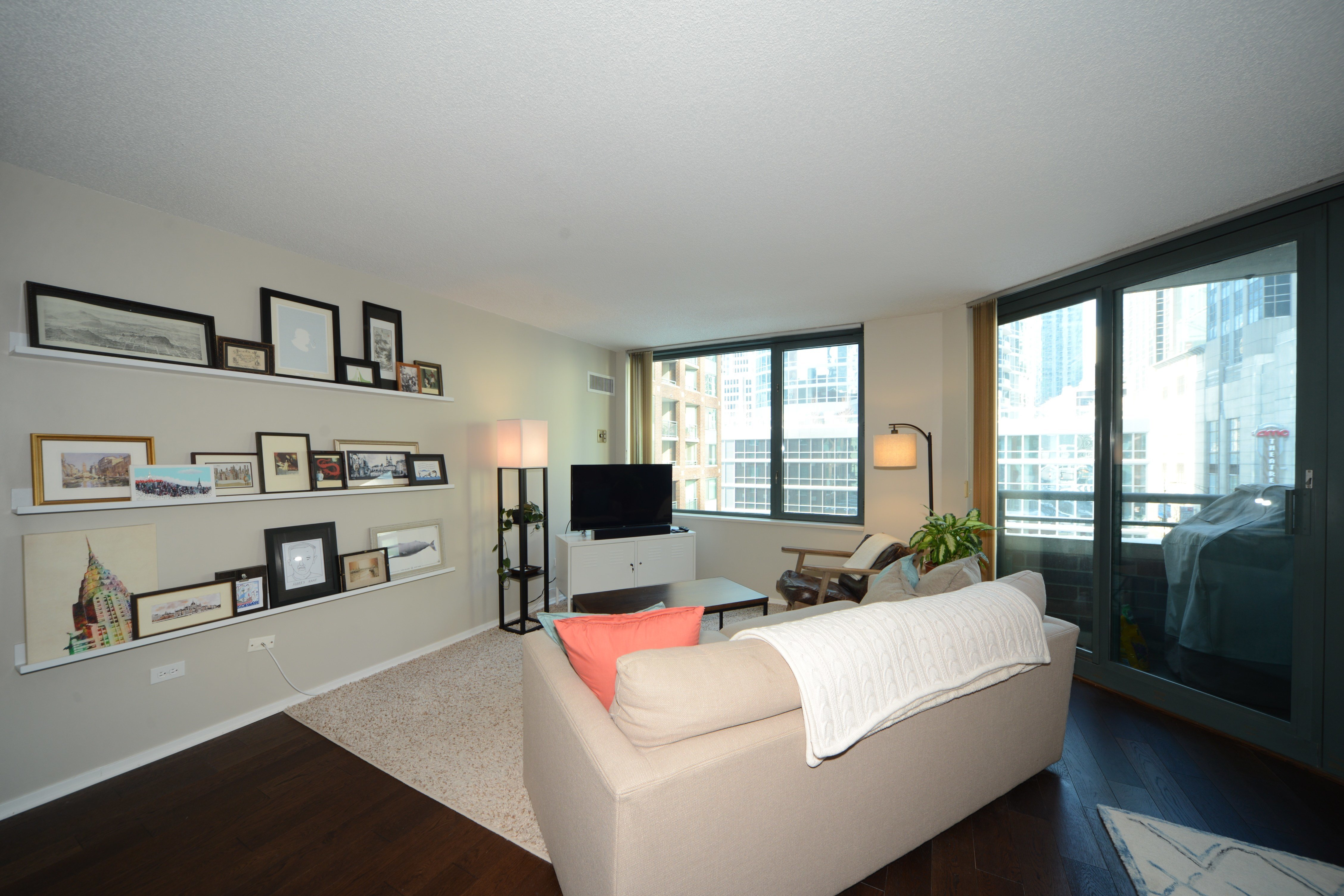 Best Updated Streeterville 1 Bedroom 1 Bathroom Condo For With Pictures
