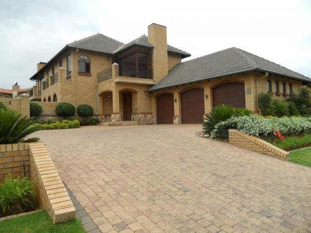 Best 4 Bedroom House For Sale And To Rent For Sale In Centurion Central Verwoerdburg Stad Home With Pictures