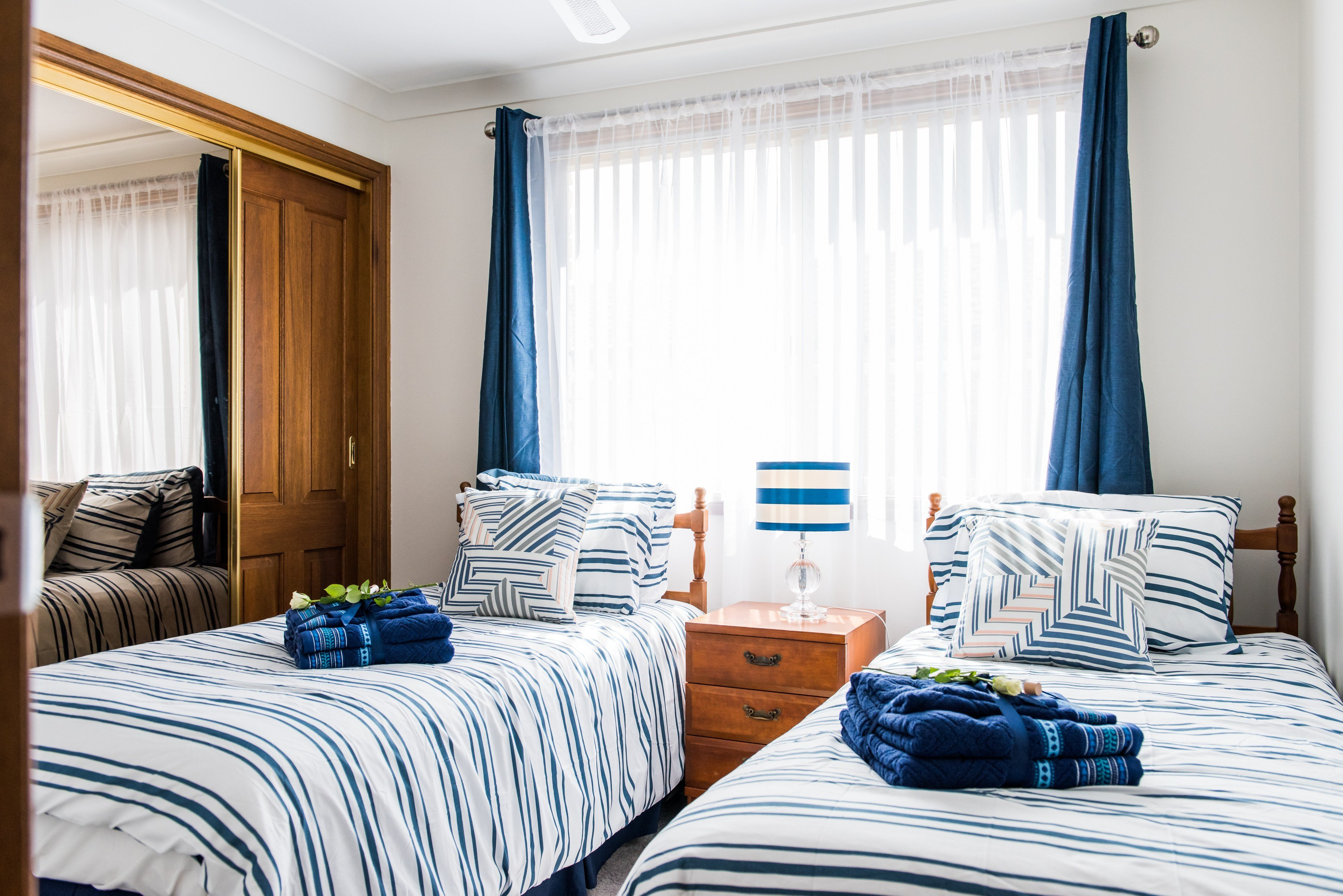 Best Bedroom With 2 Single Beds Ambience At The Bay With Pictures