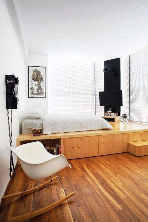 Best Raised Platforms Building A Raised Platform Bed Raised Bedroom Platform Beds Bedroom Designs With Pictures