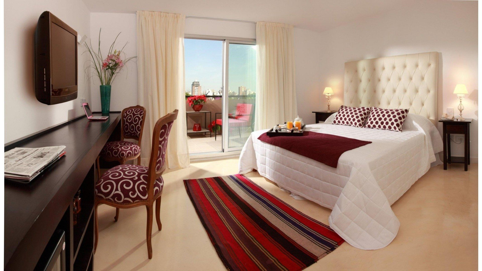 Best Beautiful Bedroom With White Red Pillows Wallpapers With Pictures