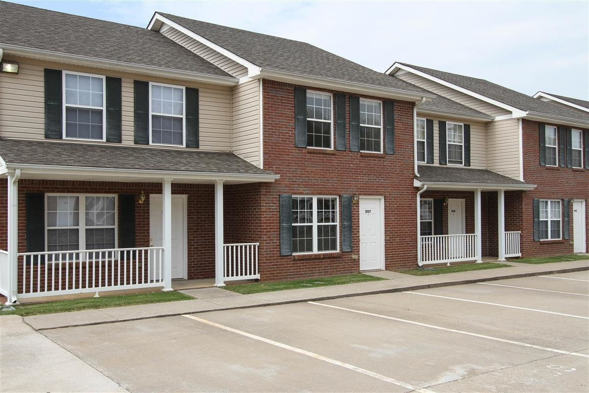 Best Gateway Village Townhomes Apartments Apartment In With Pictures