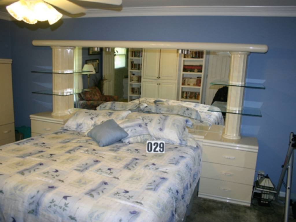 Best King Bedroom Suite 6 Drawer Dresser W Mirror Headboard W Mirrored Back Glass Shelving With Pictures