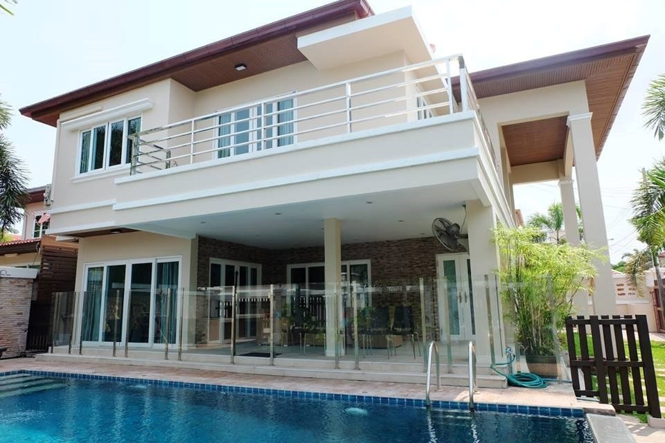 Best 3 Bedroom European House With Pool House Soi 89 With Pictures