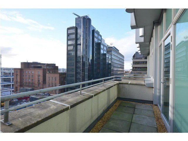 Best 2 Bedroom Flat For Sale F 5 160 Bothwell Street City With Pictures