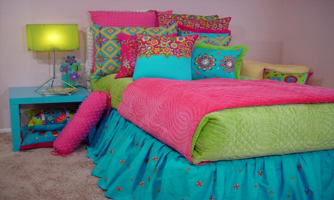 Best Parents Bedroom Design Pink And Lime Green Bedding For With Pictures