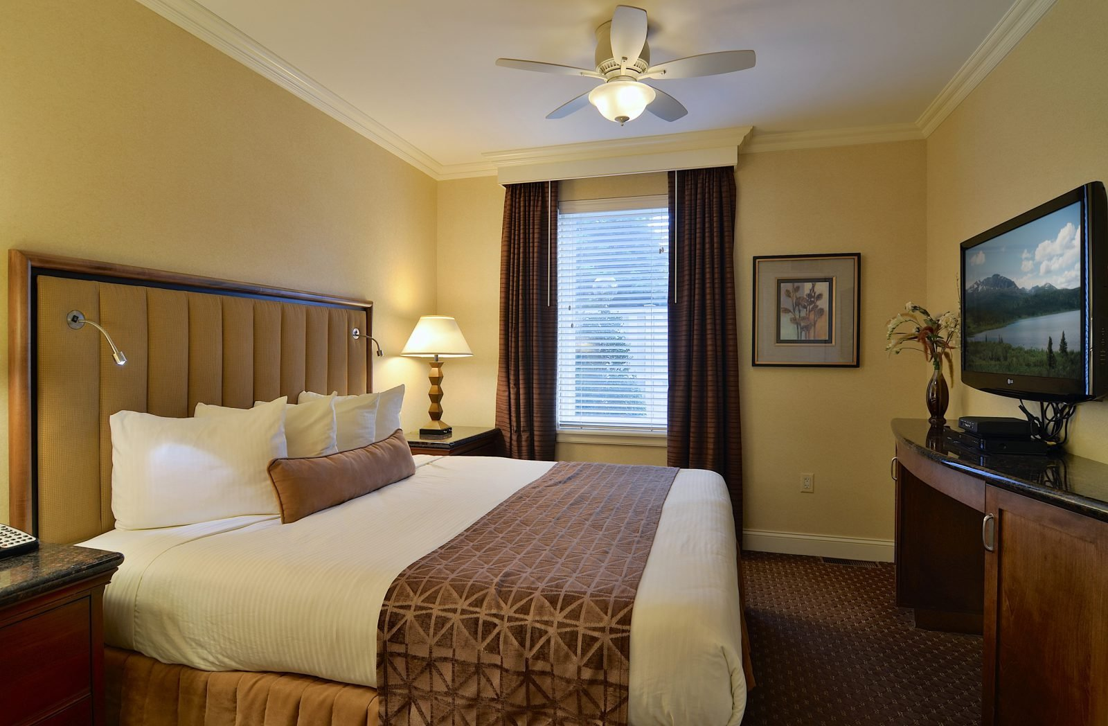 Best Suite In Lancaster Pa Enjoy The One Bedroom Villa Suite Accommod With Pictures