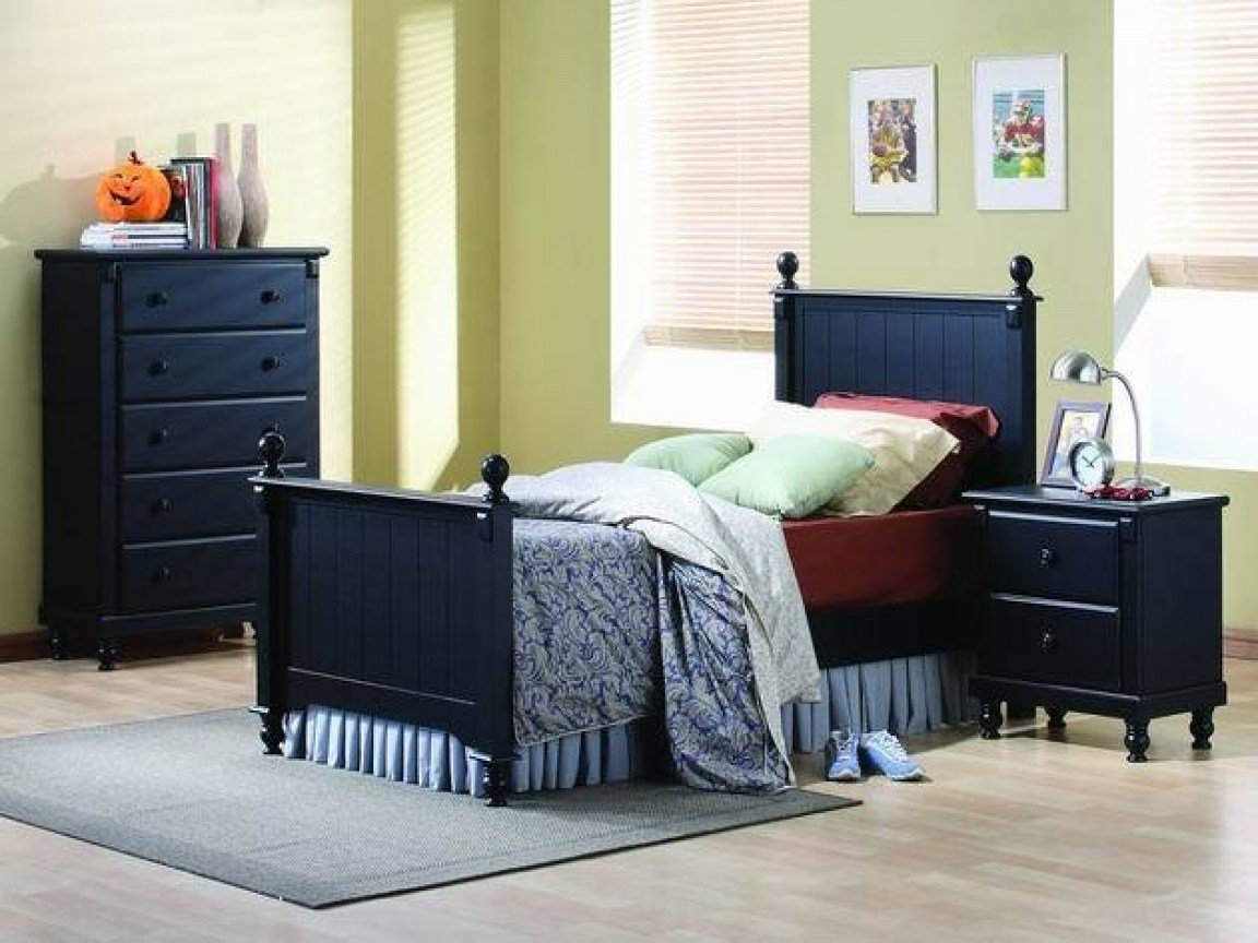Best Desks For Small Bedrooms Small Bedroom Furniture Designs Small Space Furniture Layout With Pictures